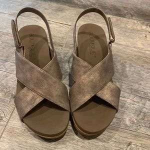 Boutique by Corkys wedge